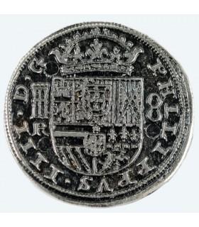 Coin 8 reales de prata, 3,5 cms.