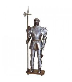 Armadura medieval com lança