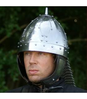 capacete medieval com viseira, 1490