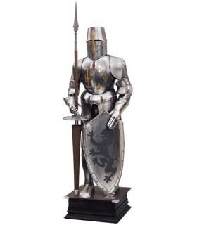 Natural de armadura com escudo e lança