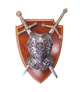 Panóplia com peitoral e 2 espadas
