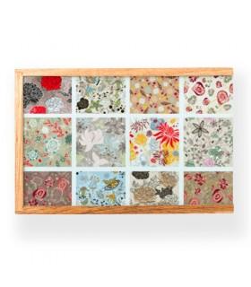 Caixa de jogos medievais: cartas, ioiôs, dominós, palitinhos, mármores, valetes