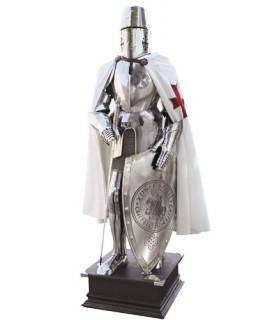 Armadura da cruz Templários em seu peito com