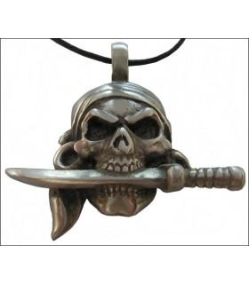 faca pingente de pirata na boca