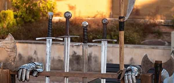 Cria Tu Propia Espada De Lucha Personalizada